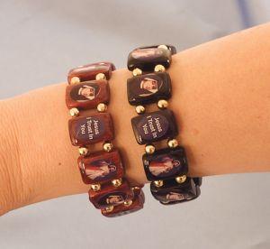 Divine Mercy Black Wood Elastic Bracelet | ShopMercy